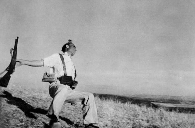 Muerte de un miliciano (Robert Capa, 1936).