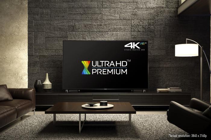 Panasonic DX900 - Ultra HD Premium