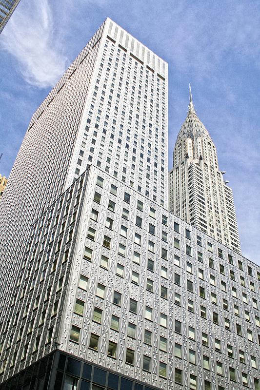 El Chrysler Building desde el suelo