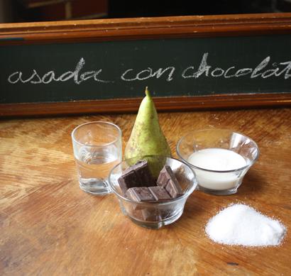 Pera asada con chocolate : receta para microondas