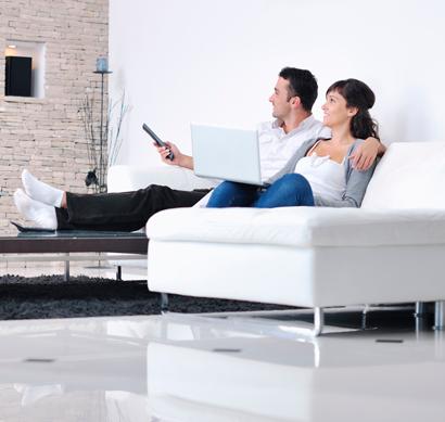 ¿A qué distancia tienes que poner tu televisor del sofá?