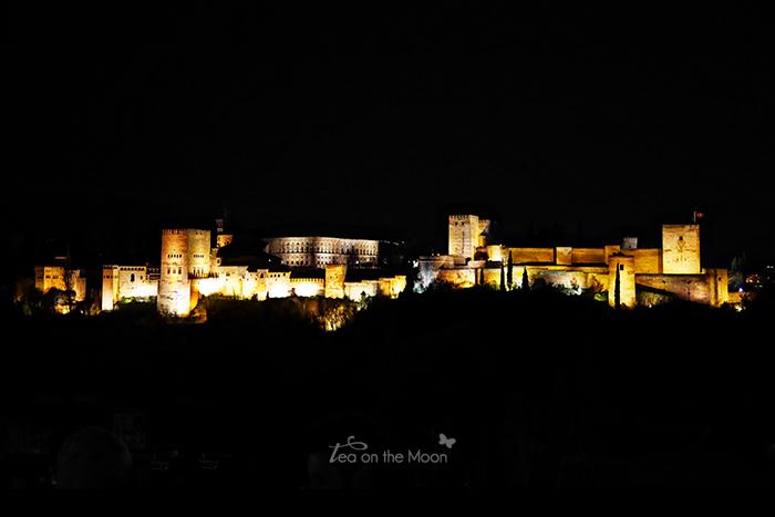 Granada l'Alhambra mirador de San Nicolas noche