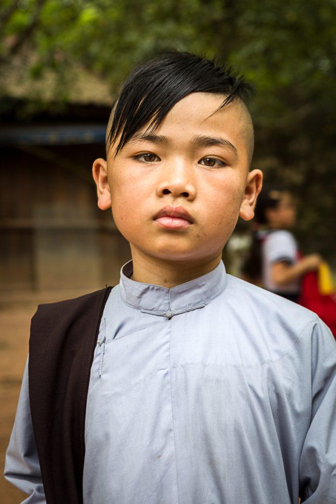 10-Omnifoto- Vietnam-estudiante budista
